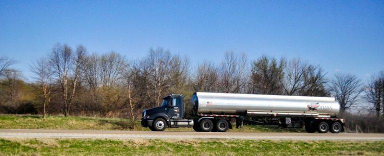 Zbiorniki na paliwo, deszczówkę i wiele innych – zastosowania i dostępność
